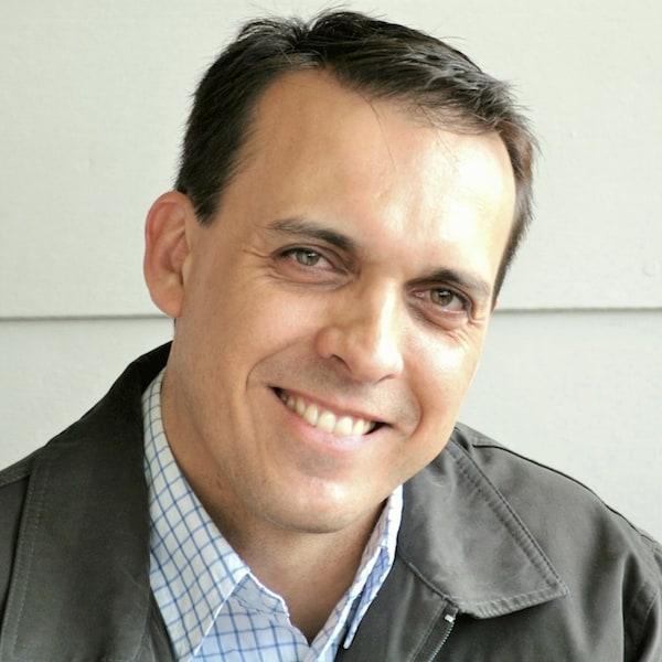 Dr. Lehan Stemmet
